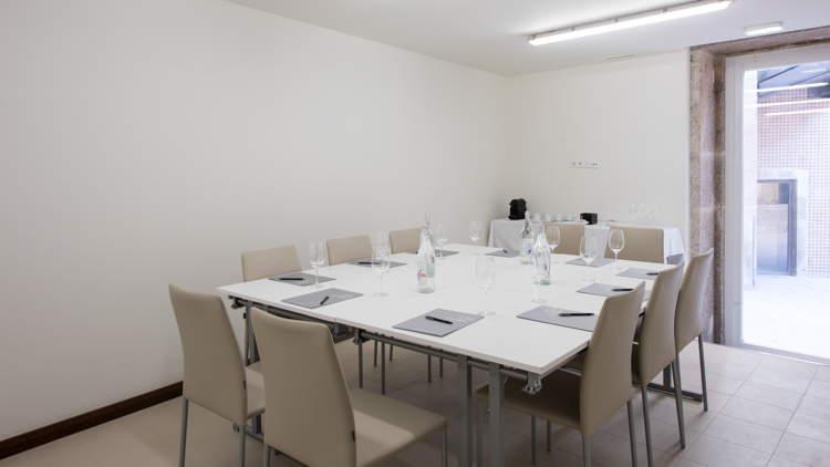 Ângelo de Sousa Meeting Room
