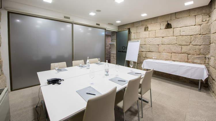 Soares Dos Reis Meeting Room